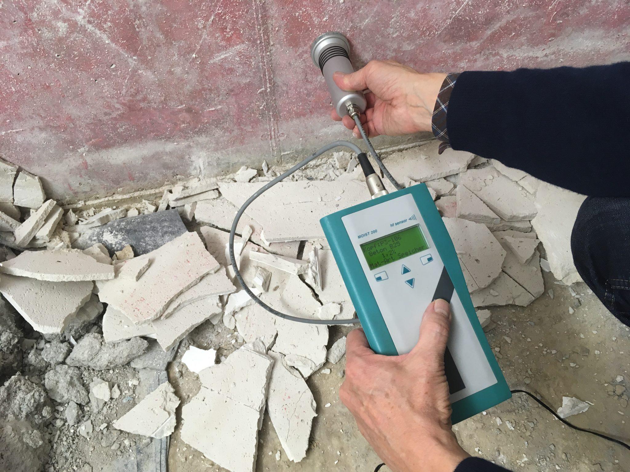 Bau- und Materialfeuchtemessung mit Mikrowellentechnik und Rasterverfahren